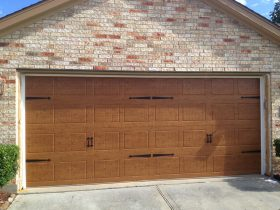 residential-2-car-woodgrain-garage-door